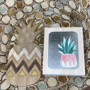 Other - Pineapple wall decor